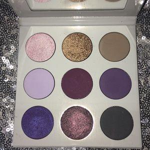 Kylie Cosmetics Makeup - KYLIE pressed powder eyeshadow palette